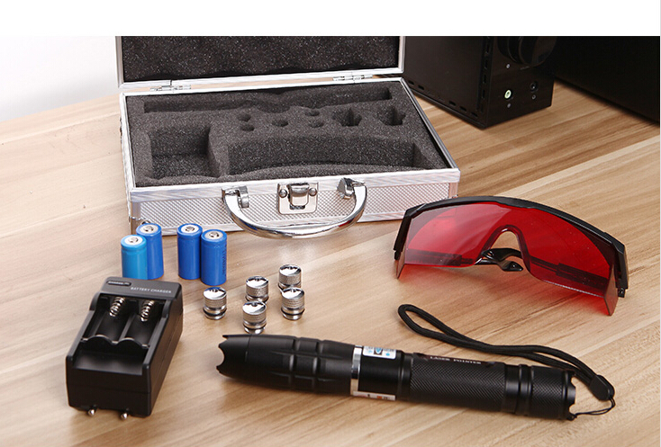 high power 500000m 450nm strong powerful blue laser pointer focus burn paper lit cigarette with 5 laser heads+charger+glasses newest hight quality 450nm blue light laser pointer pen power beam 5 heads with charger with goggles with box