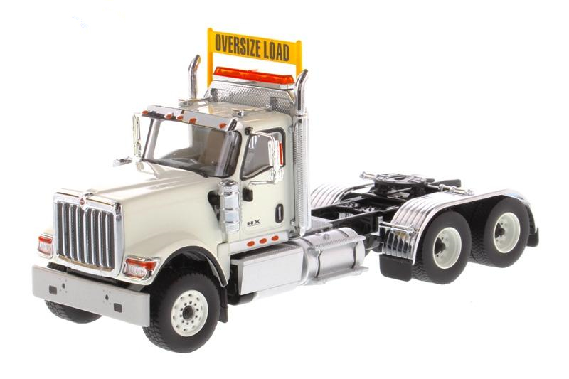 Alloy Model Gift DM 1:50 Scale HX520 Day Cab Tandem 3*2 Axis Truck Tractor Trailer Diecast Toy Model 71001 Collection,Decoration
