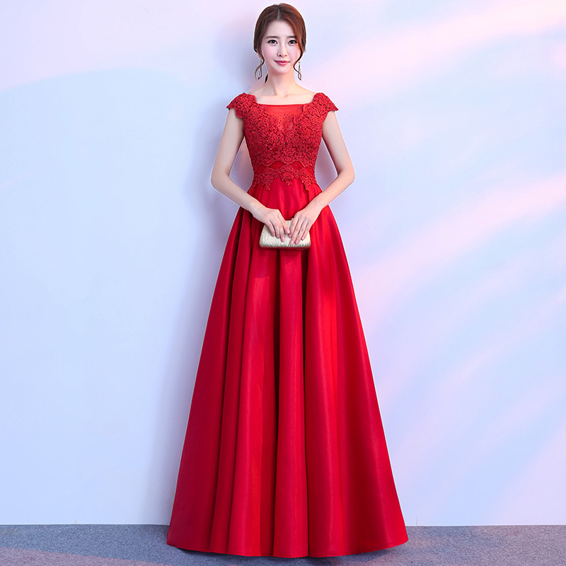 Chinese Red Long Women Cheongsam Sexy Lace Hollow Out Qipao Noble Ladies Evening Party Dresses Stage Performance Clothes