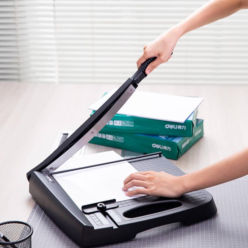 plastico aparador de papel com cortador papel scaler 04