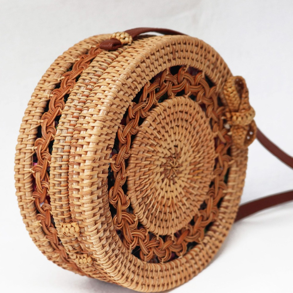 IMOK 2018 Round Bali Rattan Handbags Handmade Beach Bags Chic Women Bags for Summer Ribbon Pattern Straw Circle Clutch NCCH chic ethnic round beach towel pattern voile shawl wrap scarf for women