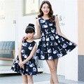 Primavera/Verão Vestidos de Mãe E Filha se Veste Casual Floral Impresso Mãe e As Meninas Olhar Família Vestidos Sem Mangas Para Meninas