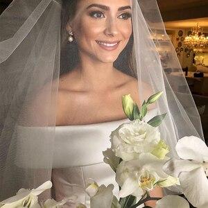 Image 2 - פשוט קו חתונת שמלות סאטן כבוי כתף חתונת כלה שמלות לטאטא רכבת מקרית שמלות ציפר עם כפתורים אחורה