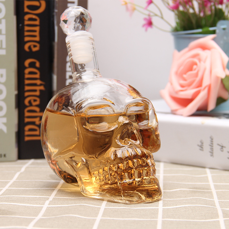 1Pcs Crystal Skull Head Shot Glass Party Transparent Champagne Cocktails Beer Coffee Wine Bottle Doomed Drinkware Halloween Gift