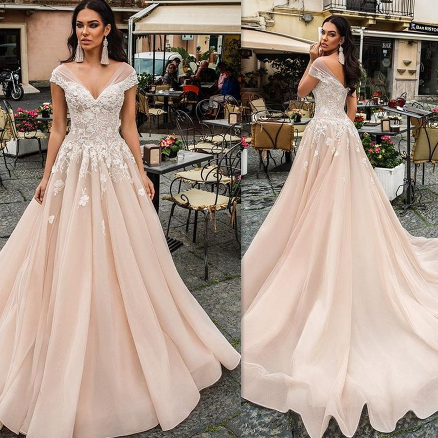 Srui Sker Flowers Appliques V-neck Neckline Soft Organza Ball Gown Dress With Court Train Backless Bridal Wedding Dress