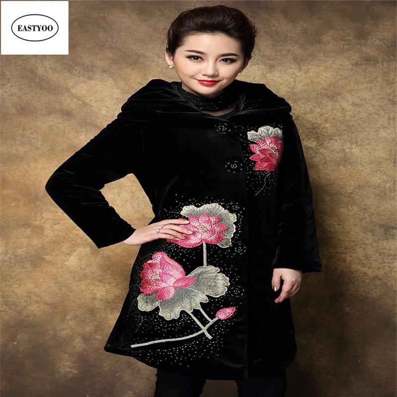ФОТО Embroidery Velvet Coat Women Winter 2016 Black Long Coats Plus Size 4XL Loutus Flower Embroidery Coat Women's Winter Jacket
