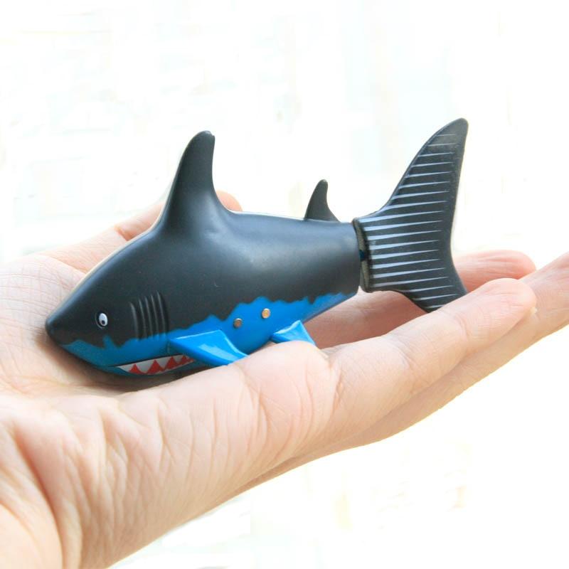 Nueva 3CH 4 Vías RC Shark Fish Boat Coke Can27 / 40Mhz Mini Radio - Juguetes con control remoto