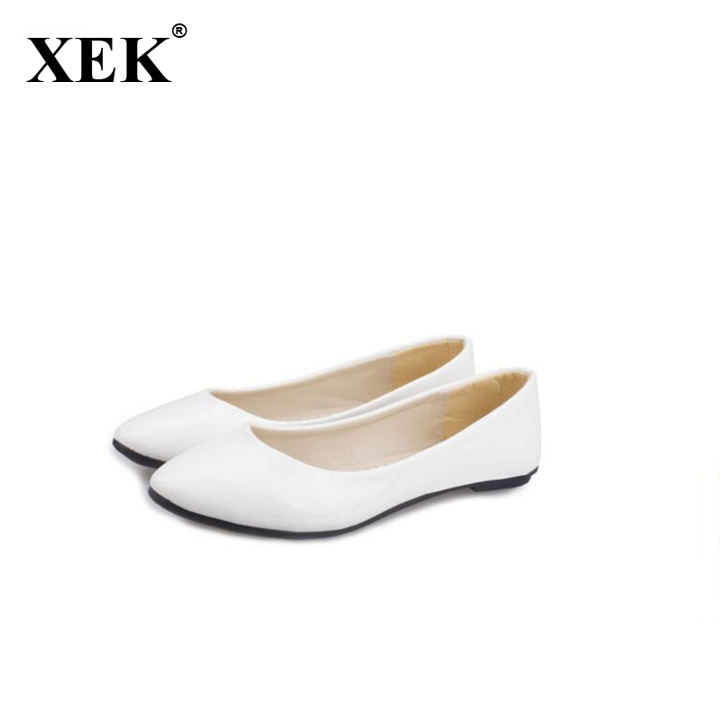 2017 New Fashion Spring Summer Boat Shoes Women Candy Color Flats Pointed Toe Slip-on Flat Fashion Casual Plus Size PU Shoes