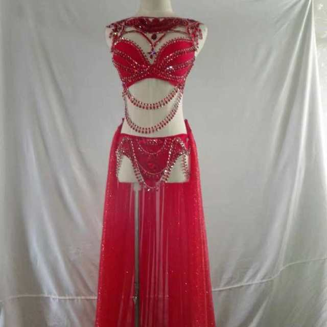 Sparkly Red Rhinestones Bikini Trains Outfit Set Nightclub Female Singer  Stage Women s Birthday Party Prom Celebrate Outfit 961a7d1c38b9