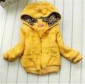 Otoño de los bebés ropa de abrigo con capucha amarillo completo chaqueta de la manera niños 3-4-8 edad del niño abrigo de invierno chica chaqueta de primavera