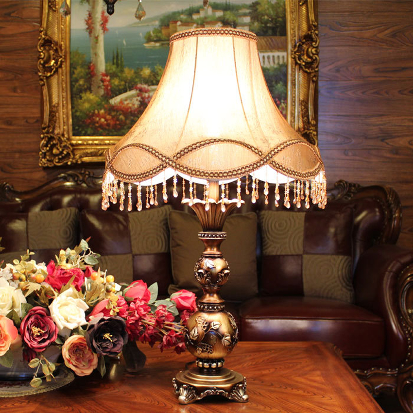 European palace style table lamp classic bedroom bedside decorative desk light living room luxury antique Resin