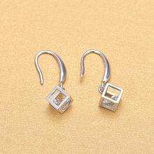Роскошные серебряные серьги капли белого/фиолетового кубического
