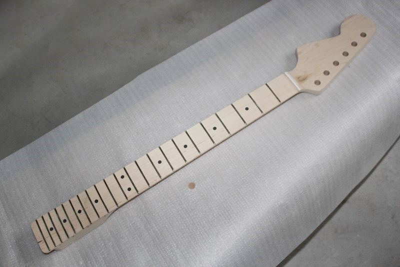 factory custom left handed electric guitar maple neck without painting 21 frets maple fretboard. Black Bedroom Furniture Sets. Home Design Ideas