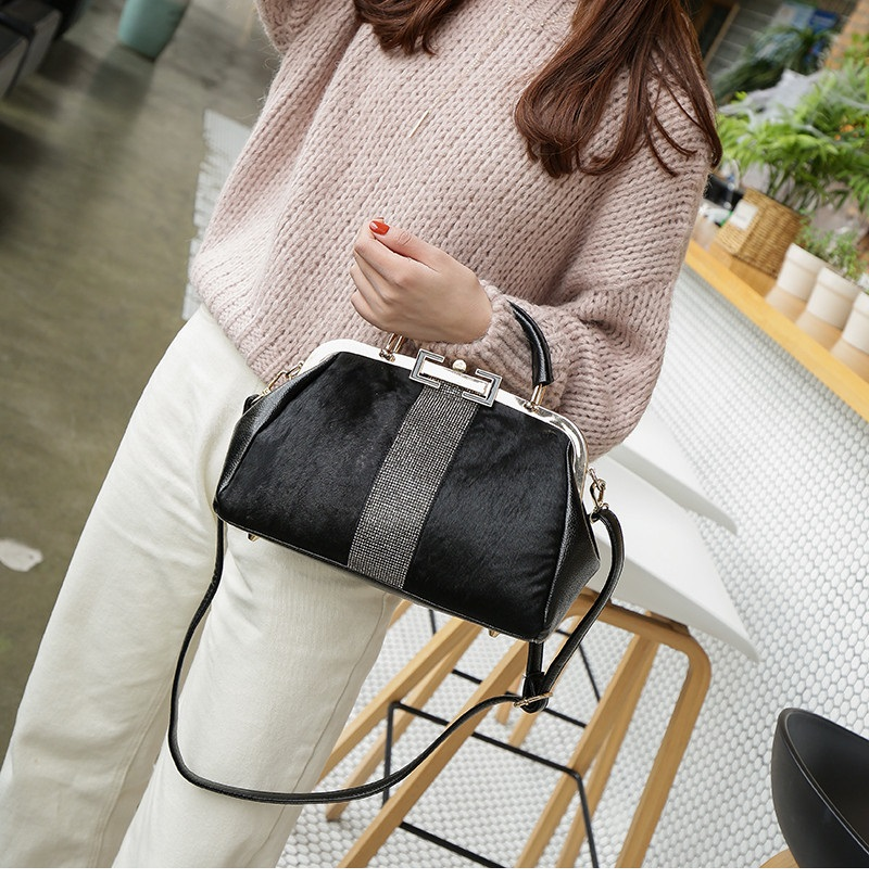 women handbag black (5)