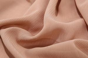 Image 3 - Novas Mulheres Sólidos Plain Crepe Chiffon Xailes Muçulmano Hijab Scarf Wraps Macio Dobra Chiffon Cachecóis Lenços Hijabs 10 pçs/lote