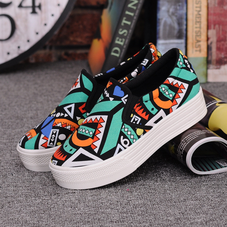 Canvas Shoes Women Girl 2016 New Footwear Female Slip On Platform Casual Shoes Flatform Autumn Graffiti Round Toe Loafers Flats (4)