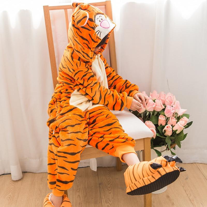 Pyjamas Anifeiliaid Newydd Gaeaf Anime Pajamas Gwlanen Oedolion Lovely Teigr Pajamas Pajamas Sleepsuit sleepwear Onesie Kigurums
