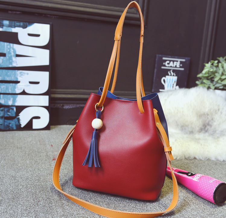 664c667c1aa2 Aliexpress.com   Buy Latest New Fashion Women 2 In 1 Pu Leather Two Chains  Shoulder   Crossbody Bag Handbag with Clutch Girls Bucket Composite Bags  from ...