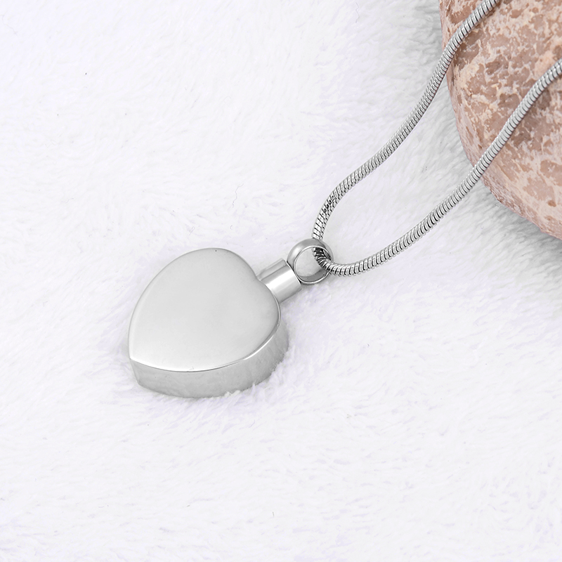 M-47 Heart Charm Fashion Women Pendant Neckalce Jewelry 316L Stainless Steel No Fade Girlfriend Gift Love Necklace Brand