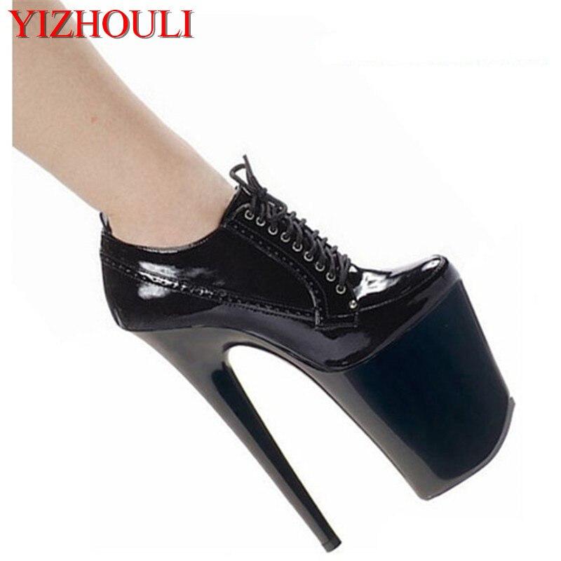 A nova escola de sexy stiletto sapatos de salto alto, moda jantar 20 cm saltos, modelo show no palco pólo dançando de salto alto