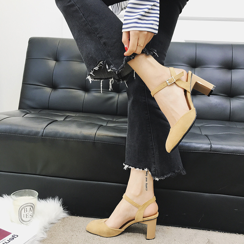 2018 autumn new fashion simple thick with solid color high heels women retro wild thick with buckle buckle casual shoes. 3