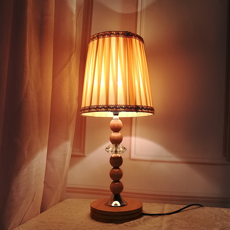 Europe table lamp LED Nordic wood crystal desk indoor lighting post-modern bed room modern shop Office decoration  light fixtureEurope table lamp LED Nordic wood crystal desk indoor lighting post-modern bed room modern shop Office decoration  light fixture