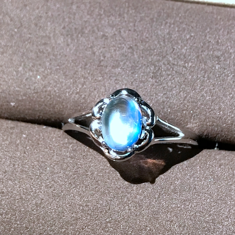 Moonstone Ring 925 silver crystal clean blue light intense simple lady ringMoonstone Ring 925 silver crystal clean blue light intense simple lady ring