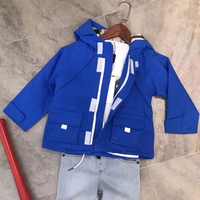 цена на Kids 3 colors Jackets Hoodie Boys windproof Outerwear Coat Children Fashion hooded Jacket Windbreaker Children's Clothing