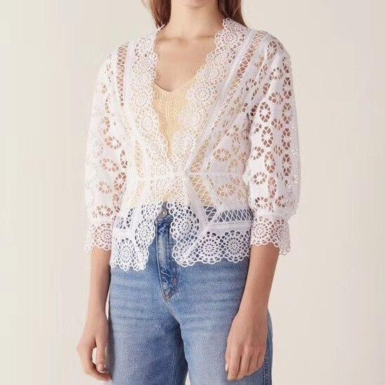 Frauen aushöhlen spitze shirt 2019 neue sexy tiefe V hals siebten hülse spitze stickerei elastische taille 100% baumwolle kurze bluse