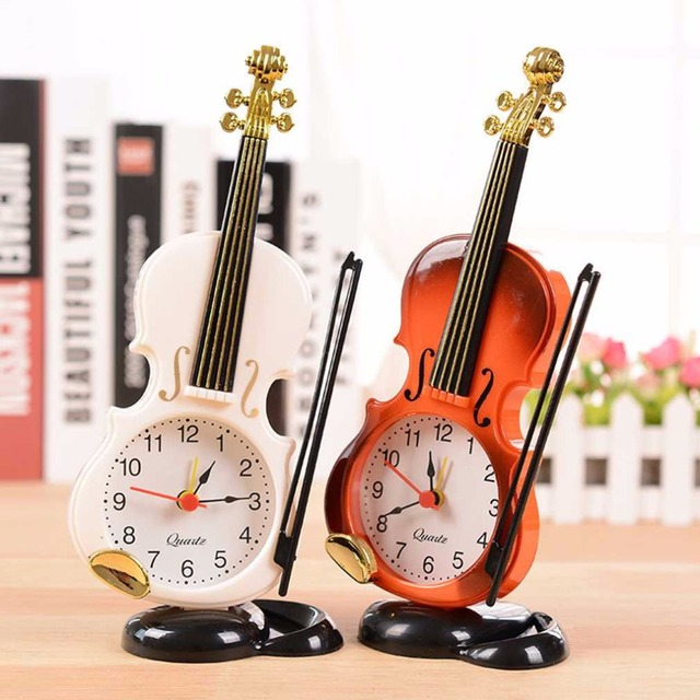 2018 New 2 Colors Creative Instrument Table Clock Student Violin Gift Home Decor Fiddle Quartz Alarm Clock Desk Plastic Craft