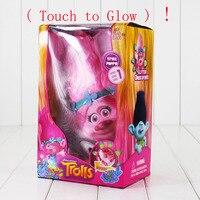 Trolls Ville Pavot Branche PVC Action Figure Jouets Avec LED Lumière Tactile Glow Hair Up De Noël Jouets Pour Enfants