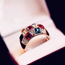 2017 New Hot Luxury Fashion Colorful Crytal Rhinestone Finger Ring Alloy Gold plated Women statement Rings alloy plating gold rhinestone finger ring golden
