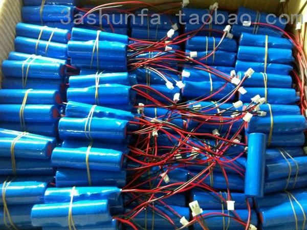 Batterie au lithium 3.7V 1800mAh 18650 avec haut-parleur de protection, vieil homme et autres produits numériques rechargeables Li-ion Ce