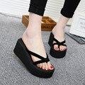 2017 Sandálias de Verão Cunhas Mulheres Antiderrapante Chinelos Chinelos de Praia Sandálias Sapatos Sandálias Da Moda Sapatos Das Senhoras Do Sexo Feminino