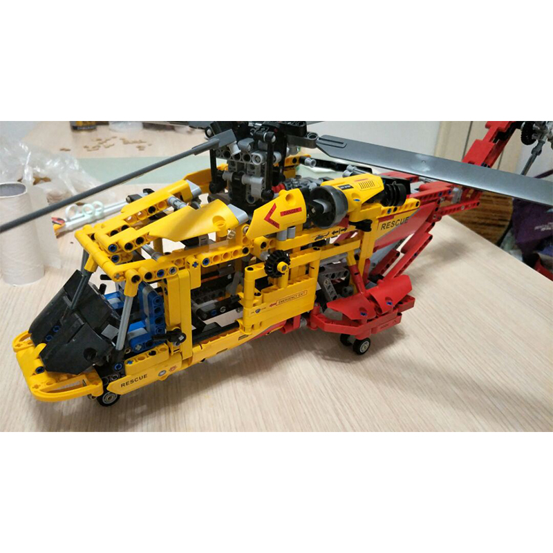 Decool 3357 Helicopter building bricks blocks Toys for children Game Car Formula 1 Compatible with Lepin Bela 9396