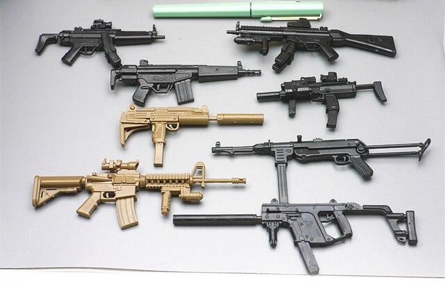 16 8pcs Set 4D 1 6 Gun MP7 UZI MP5 Dagger MP40
