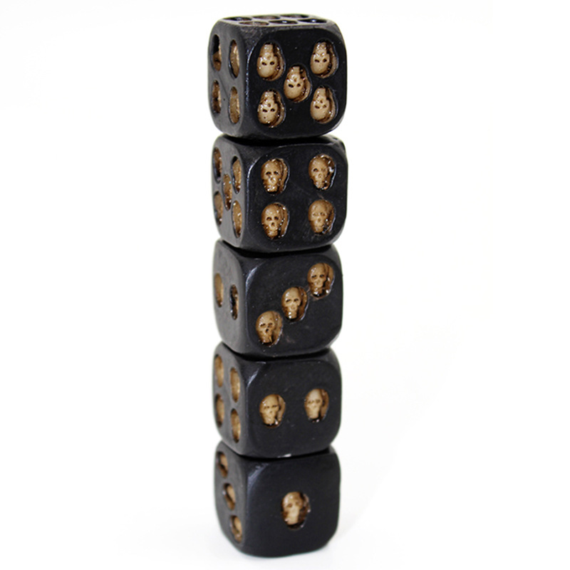 New 5pcs/Set 18mm Resin Skull Dice Statue Halloween Board Game Dice Office Desk Decor Toy Halloween Party Decoration