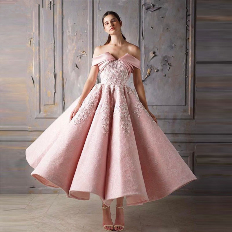 Pink Muslim   Evening     Dresses   2019 Ball Gown Off The Shoulder Appliques Lace Islamic Dubai Saudi Arabic Long Formal   Evening   Gown