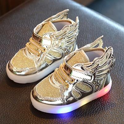 Bambini Scarpe Casual 2016 Fashion Ali di Farfalla Bambini delle scarpe Da  Tennis di Alta Top Delle Ragazze del Ragazzo di Sport Trainers Scarpe  Stivali ... ebd39a06e03