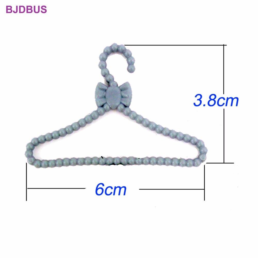 20pcs mini gray hangers bowknot design dollhouse dress clothes accessories EA