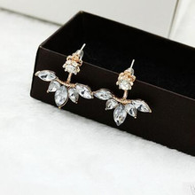 2017 Korean version of the hot fashion fine wild horse eye zircon daisies up and down under the ear hanging earrings wholesale
