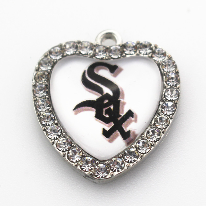 8pcs USA Sports Dangle Charm Crystal Heart Baseball Team Chicago White Sox Charm DIY Jewelry Accessory Pendants Hanging Charms