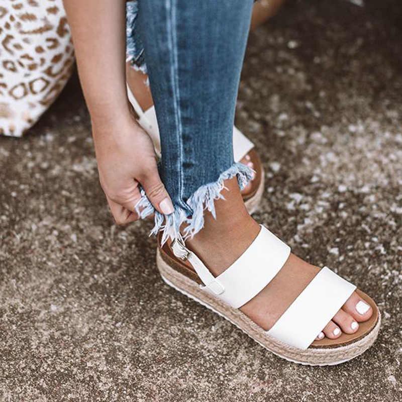 Yaz Leopar Sandalet Yüksek Topuklu Takozlar PU Platformu Bayan Sandalet Toka Askı Rahat rahat Bayanlar Ayakkabı Artı Boyutu