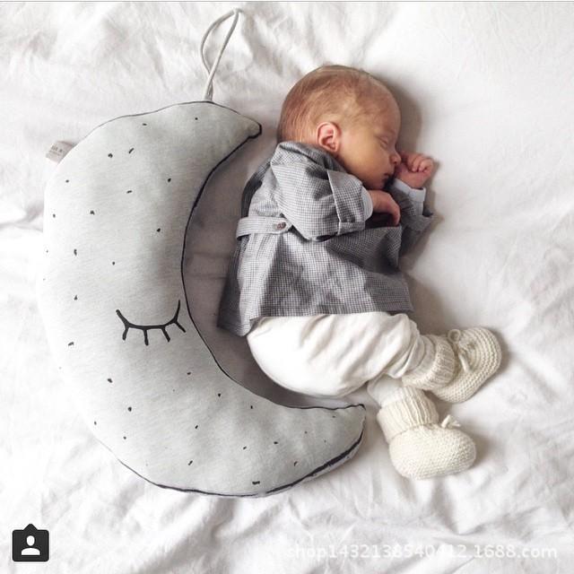 Crianças Favorita Da Lua de Algodão Kid Apaziguar Travesseiro Luz Esverdeada No Meio Da Noite para Dormir Fundamento Do Bebê Travesseiro
