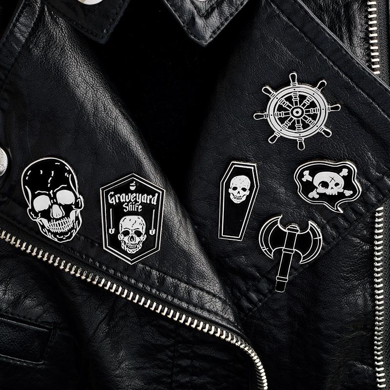 Pirate Skeleton Coffin Axe Black Bara Skull Rudder Shield Battle Battle Compass Navigation Icon Brooch Badge Punk Gothic Jewelry pokefasu 刺繡