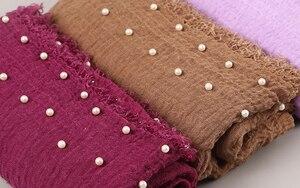 Image 2 - 10 Cái/lốc Cotton Khăn Hạt Bong Bóng Ngọc Trai Nhăn Khăn Choàng Hijab Viền Nát Hồi Giáo Khăn Choàng/Khăn 55 Màu