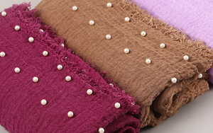 Image 2 - 10 PC/lot Cotton Scarf Beads Bubble Pearl Wrinkle Shawls Hijab Fringe Crumple Muslim scarves/scarf 55 Color