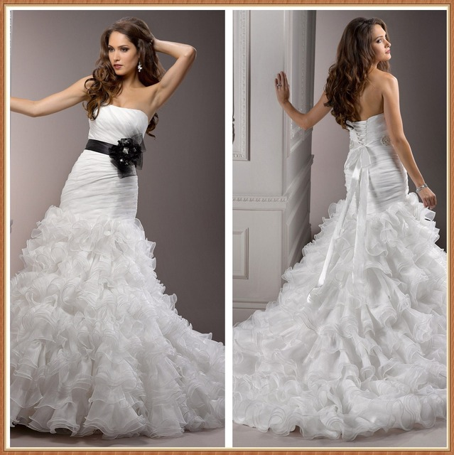Trumpet Style Wedding Gowns: Elegant Strapless Luxury Ruffles Skirt Black And White