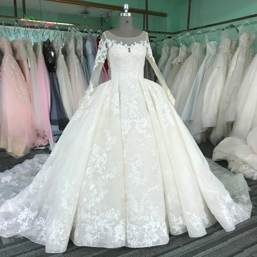 Royal Wedding Ball Gown: Dream Angel Vintage Long Sleeve Lace Ball Gown Wedding