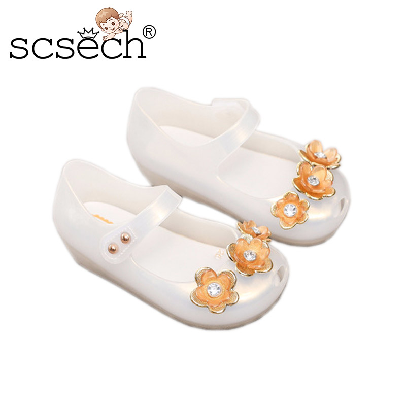 6917ec1ca Hollow Jelly Sandals Boys Girls Shoes Soft Soled Non-slip Shoes with LED  Nylon Tape Closure Soft Beach Sandals Shoes SHA26